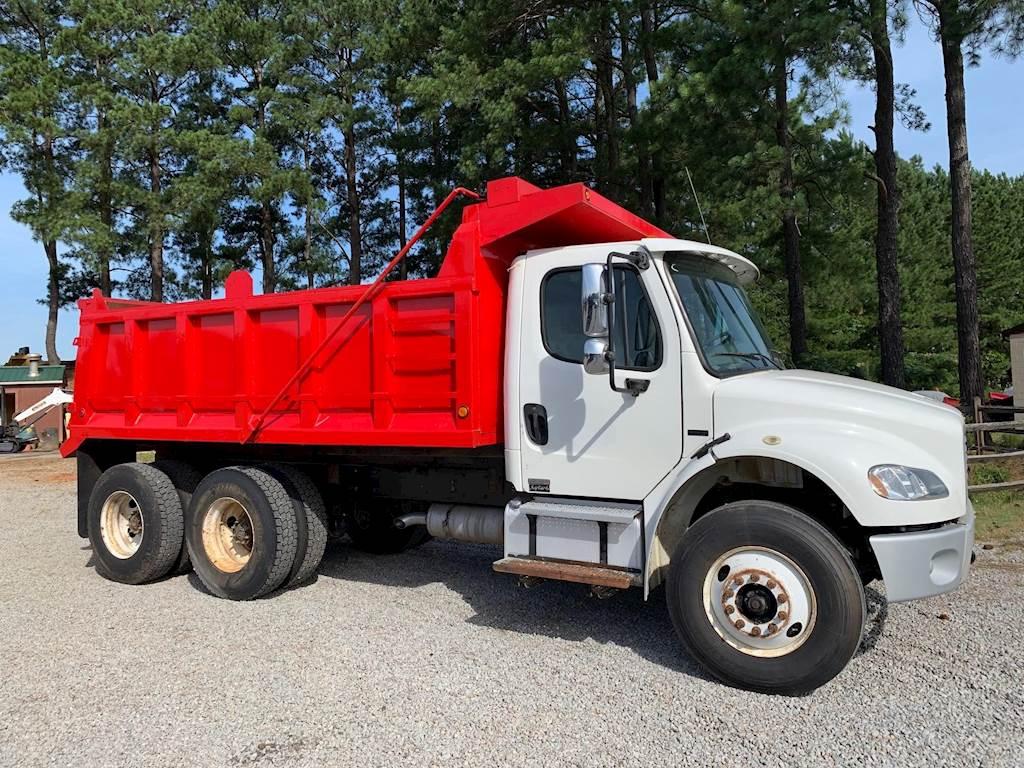 Dump Trucks Freightliner M2 106 14284109